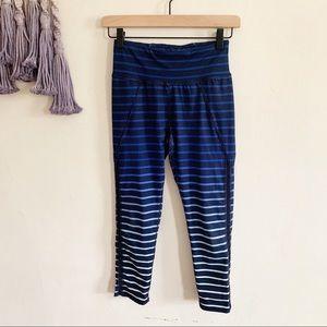 Betsy Johnson • cropped fitness leggings pants xs